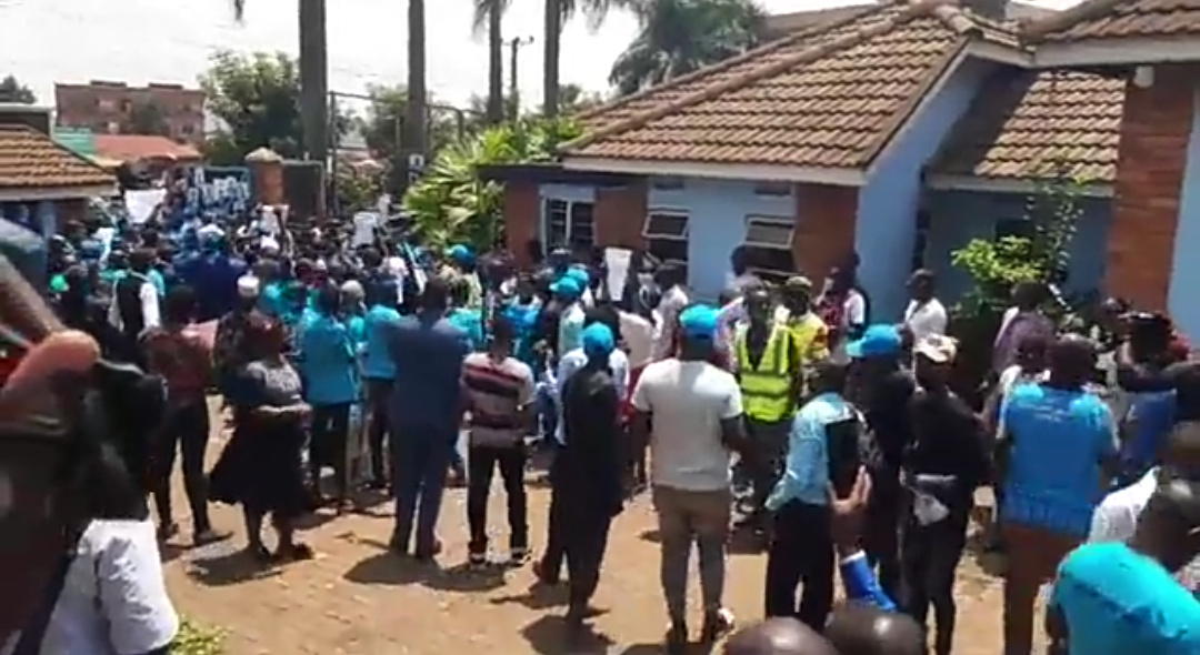 FDC youth at party offices in Najjanankumbi on Wednesday (PHOTO/Nelson Mandela).