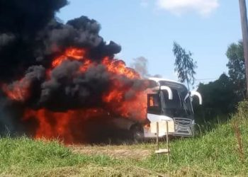 Parliament bus carrying Covid 19 patient catches fire along Gulu-Kampala Road (PHOTO/Courtesy)