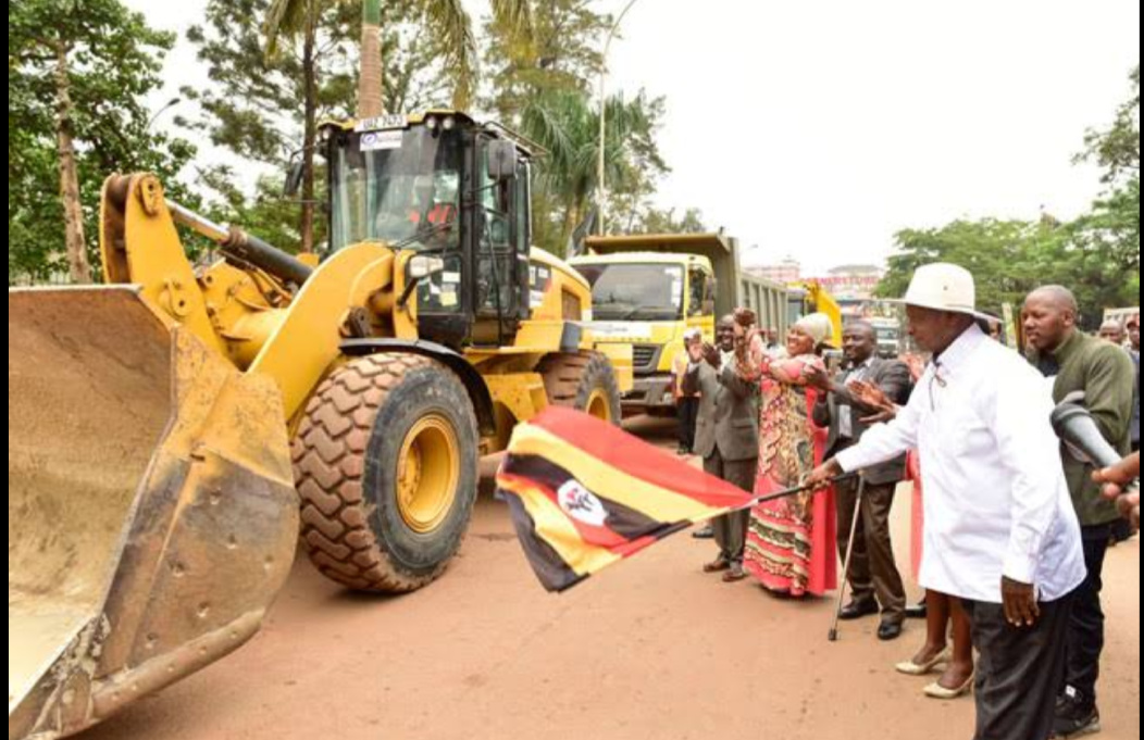 President Myseveni commissioning Kampala flyover works (PHOTO/File).
