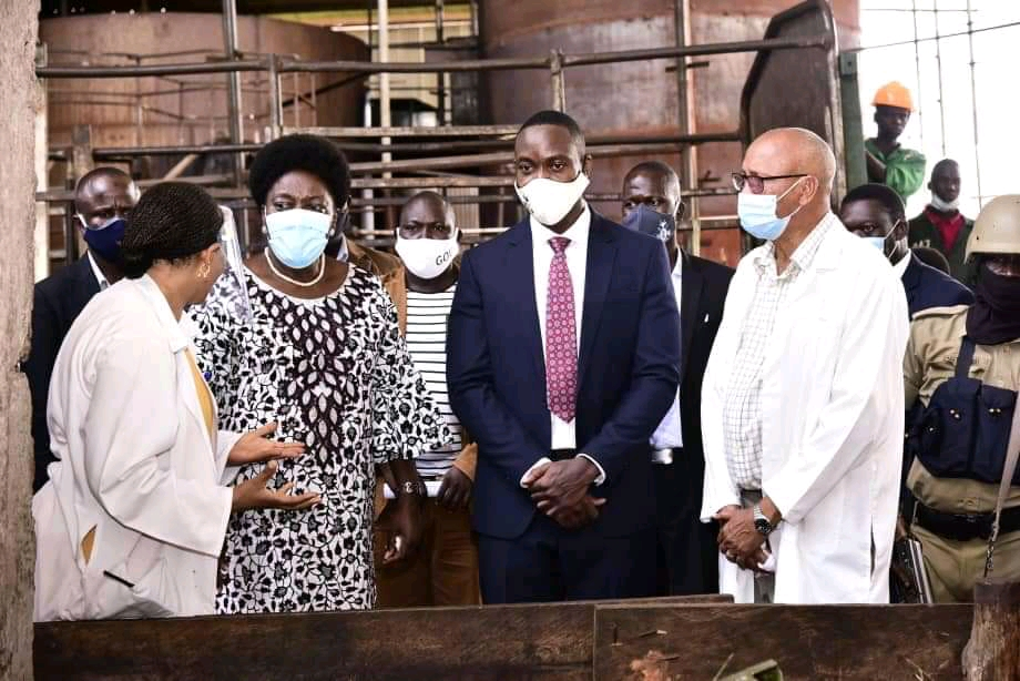 The Speaker (2nd L) and the Kyabazinga on her left on a tour of the factory (PHOTO/Courtesy).
