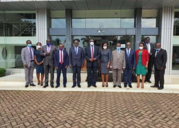 Chief Justice, Alfonse Chigamoy Owiny - Dollo and other judicial officials in a group photo on Monday (PHOTO/Courtesy).