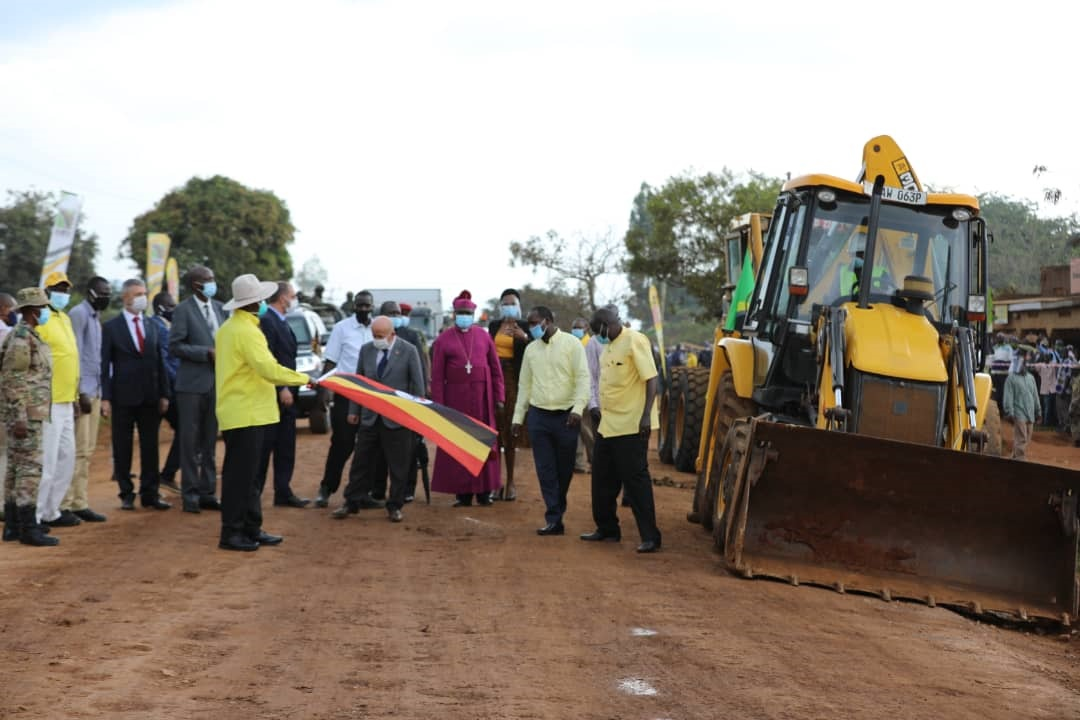 President Museveni flags off the construction of Muyembe-Nakapiripirit road. It has been the wosrt road in the rain seasons PHOTO/Courtesy).