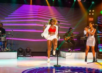 Singers Cindy Sanyu and Vivian Tendo performing (PHOTO/PML Daily).