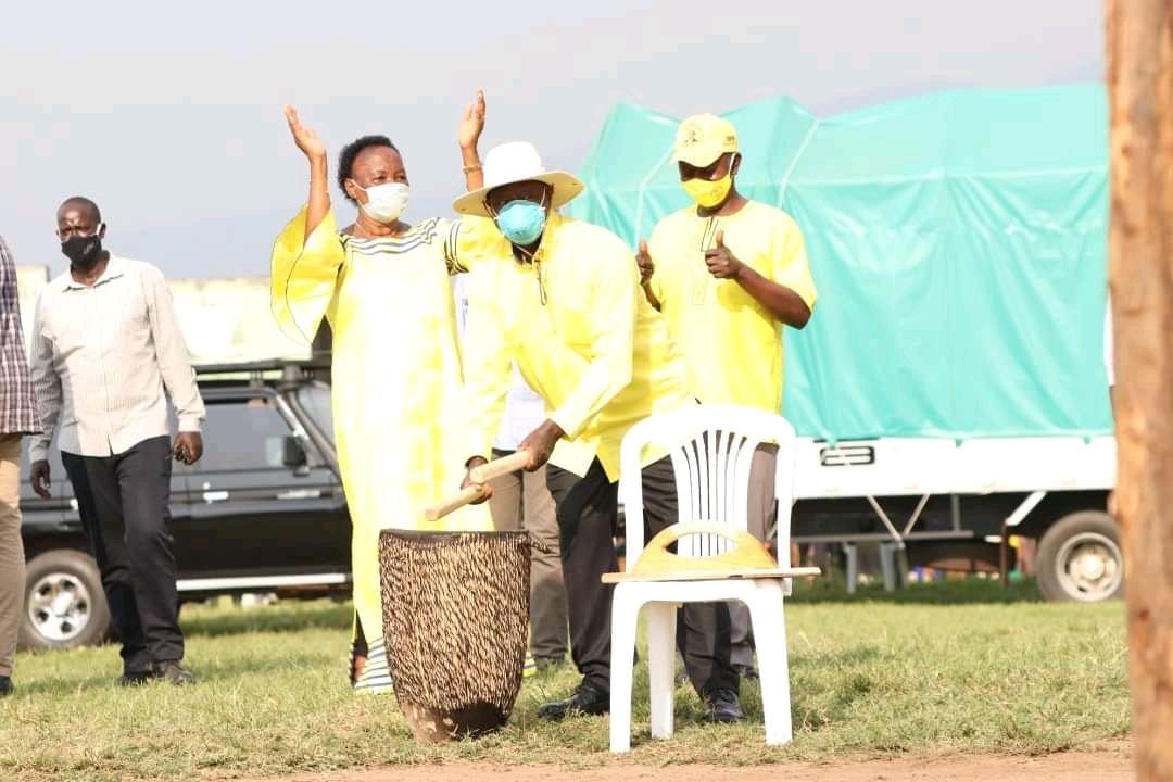 Mzee Tibuhaburwa Museveni campaigning in Bundibugyo on Thursday (PHOTO/Courtesy).