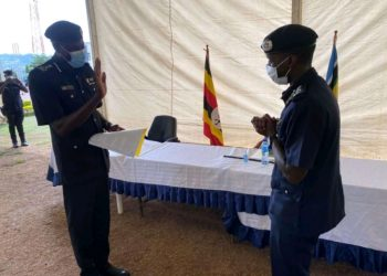 Maj.Gen.Paul Lokech and his predecessor Maj.Gen. Muzeeyi Sabiiti respectively at a hand over function on Monday (PHOTO/Courtesy).
