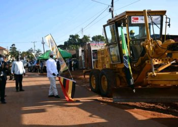 President Museveni flagging off the construction of the Kira-Kasangati- Matugga road (PHOTO/Courtesy).