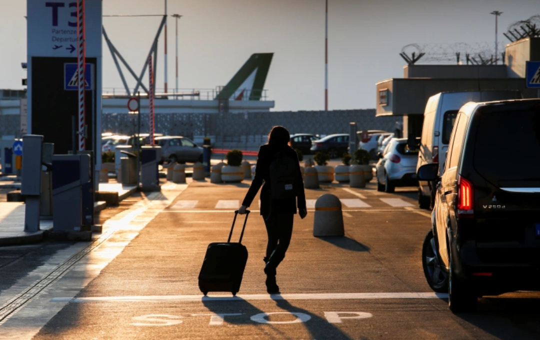 The new strain could be up to 70 percent more infectious, the United Kingdom has said, prompting its European neighbours and several other countries including Canada and Iran to close their doors to travellers from the country (PHOTO/Reuters).