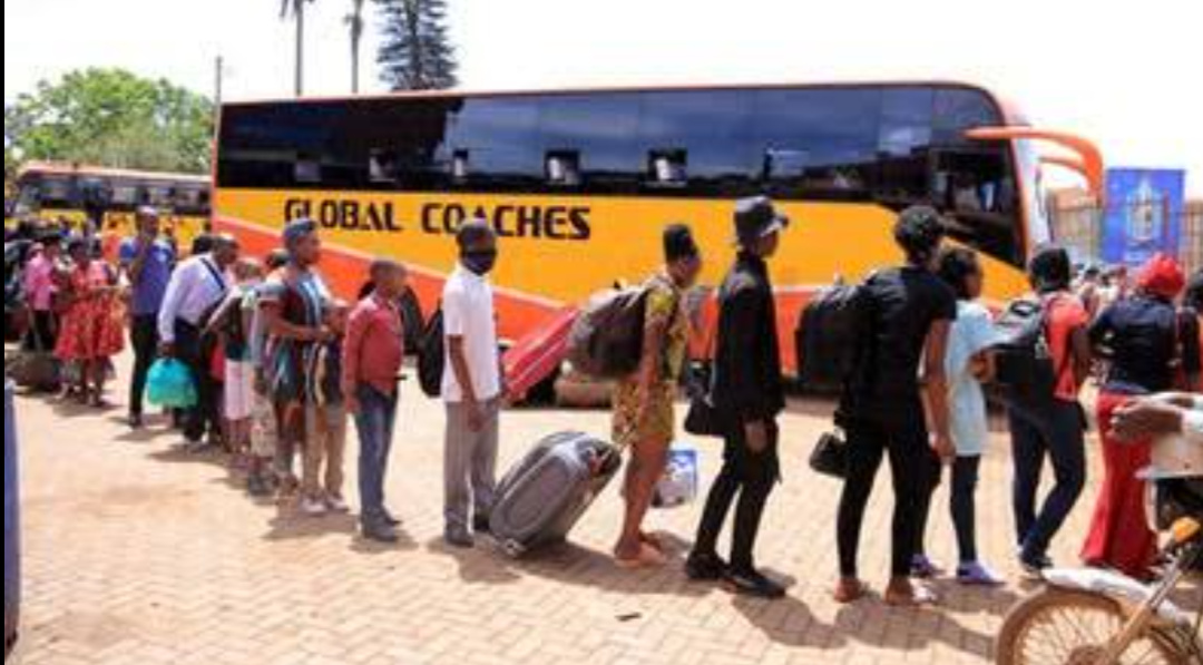 Travellers lining to board bus to Mbarara (PHOTO/Courtesy).