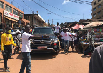 Minister Anite being welcomed in Ghetto (PHOTO/Javira Ssebwami)