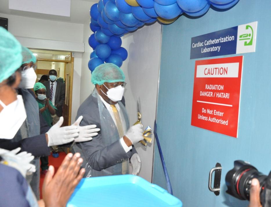 Prime Minister Ruhakana Rugunda launching the Cath Lab (PHOTO/PML Daily).