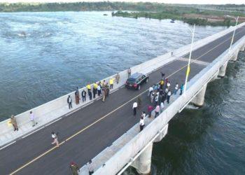 President Museveni commissioning the new Isimba public bridge (PHOTO/Courtesy).