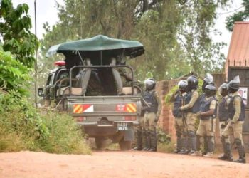 Security forces keep surrounding Bobi Wine's home despite Court order to vacate (PHOTO/Courtesy).