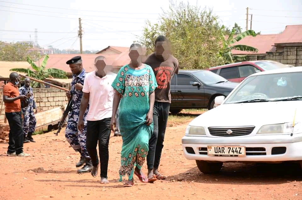 The arrested family (PHOTO/Police).