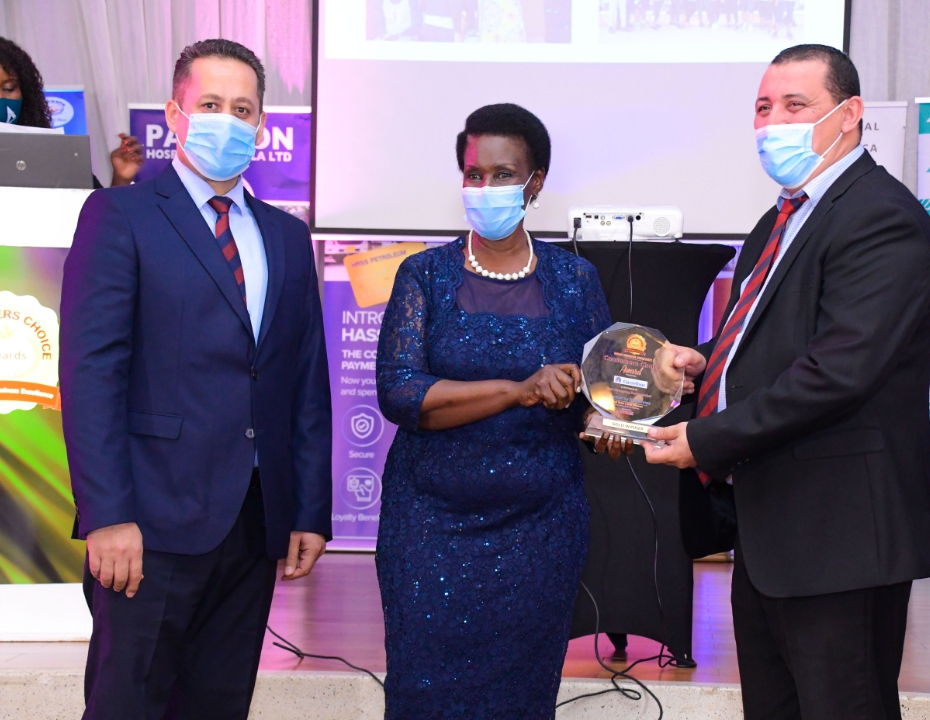 Carrefour Uganda, received the Gold Award for Best Shopping Supermarket at this year's Consumers Choice Awards (PHOTO/Courtesy).