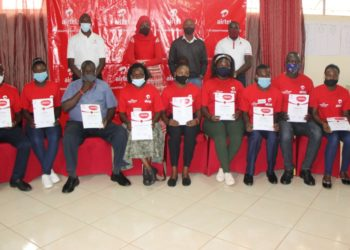 At the back, L-R: Christian Ongecu, the Airtel Uganda Sales and Distribution Director – Growth Market, Sumin Namaganda, the Public Relations Manager at Airtel Uganda, Peter Barata, Airtel Uganda Regional Business Manager, Ronald Mayanja, the CEO Ability Explored, and some of the participants who took part in the inaugural Airtel Franchise Partners Development Programme training (PHOTO/Courtesy).