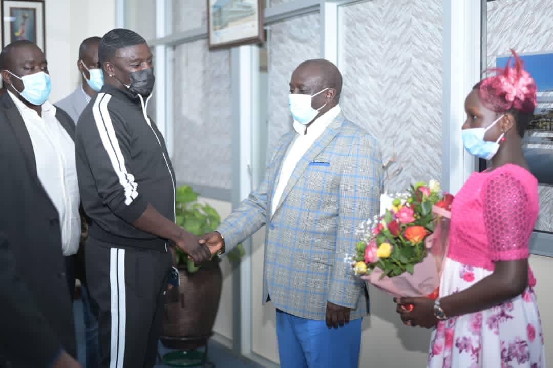 Amb. Walusimbi and Akon with Isaac Kigozi (PHOTO/Courtesy).