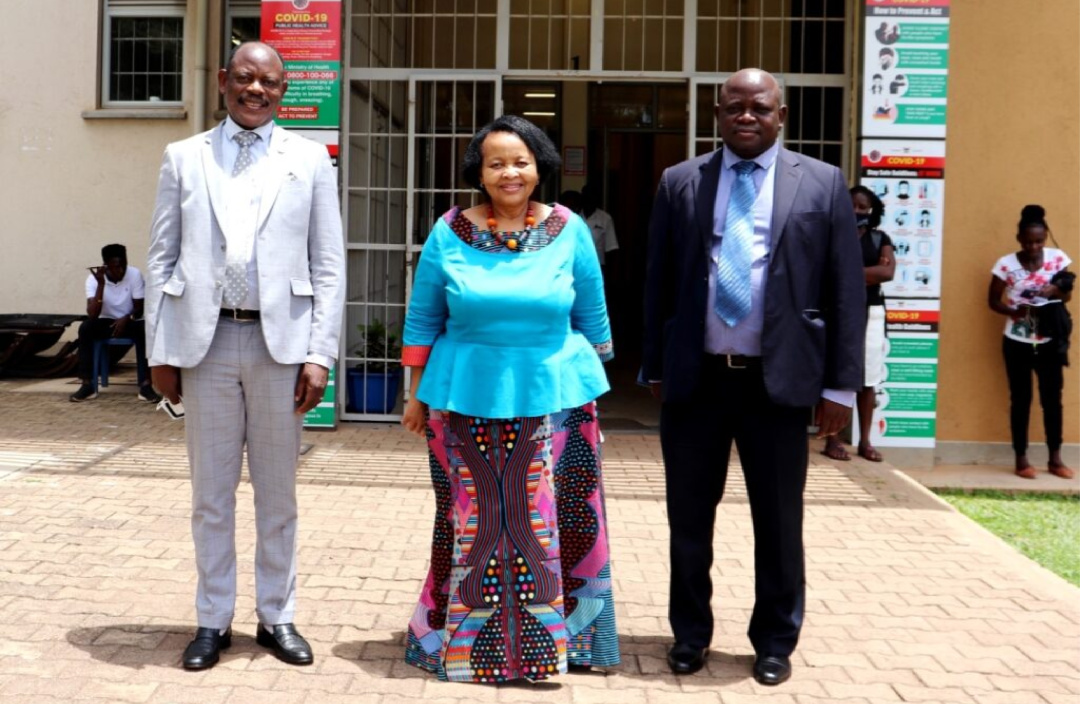 South African High Commissioner to Uganda, H.E. Lulama Mary-Theresa Xingwana (C) flanked by the Vice Chancellor, Prof. Barnabas Nawangwe (L) and First Secretary:Political, Mr. A.E. Munaka (R) after the meeting on 9th April 2021, CTF1, Makerere University (PHOTO/Courtesy).