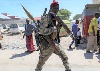 A fighter in Mogadishu. (PHOTO/Internet)