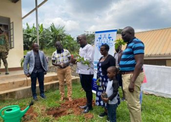NFA and NWSC officials during the tree-planting campaign launch at at Shimoni Estates on Saturday (PHOTO/Courtesy).