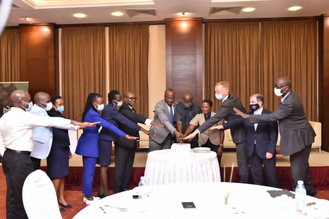 Uganda Editors' Guild Chairman Mr. Daniel K. Kalinaki of the Nation Media Group is joined by the Danish Ambassador to Uganda Nicolaj A. Hejberg Petersen and other guests to officially inaugurate the association (PHOTO/Courtesy).