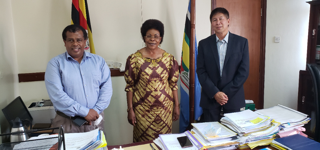 Cabinet Minister of Lands, Housing and Urban Devlopment, Hon. Betty Kamya (Middle), with Faruk Wadha the RippleNami Director of Operations - Africa and Allyn Pon, the Chief Product Officer, RippleNami Inc