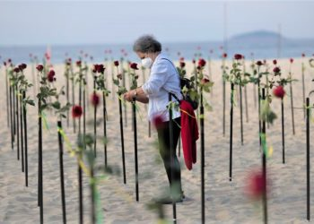 Thousands of Brazilians protested at Copacabana beach on Sunday. (PHOTO/Intenet)