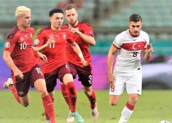 Turkey's Dorukhan Tokoz take on Swiss' trio of Granit Xhaka, Ruben Vargas and Silvan Widmer on Sunday. (PHOTO/Internet)
