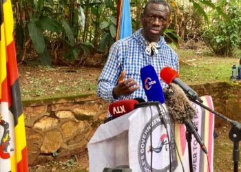 Dr. Kizza Besigye has asked government to hasten the mass vaccination exercise of essential workers (PHOTO /Courtesy)