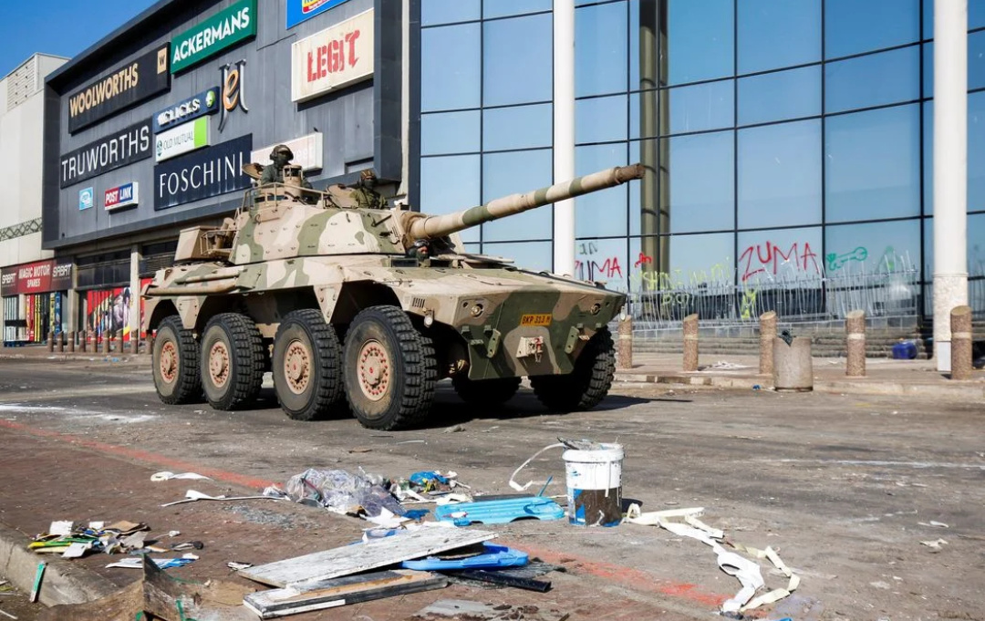 Officials said the deployment of up to 25,000 soldiers should help restore order in the province of KwaZulu-Natal (PHOTO/REUTERS)